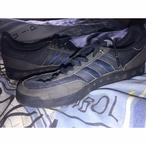 Navy Adidas PT shoes in a UK size 9