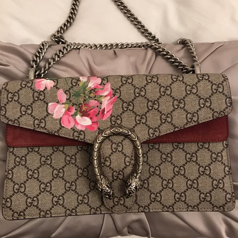 139f03a3c564 @lydiaemillen. 2 years ago. Willen Park, Milton Keynes MK15, UK. Gucci  dionysus Blooms medium size bag Perfect condition ...