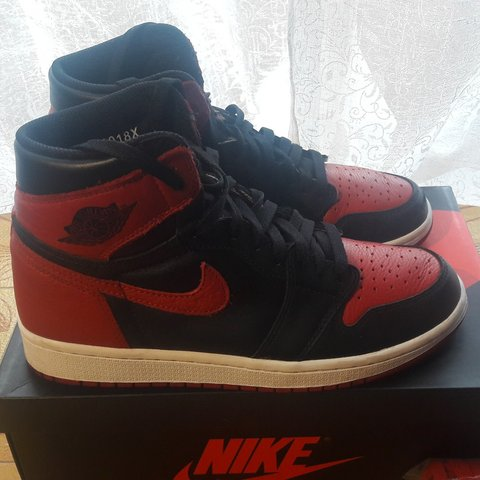 4c538d0e25aa Jordan 1 bred OG 2016 Condition  9 10 (have only a small on - Depop