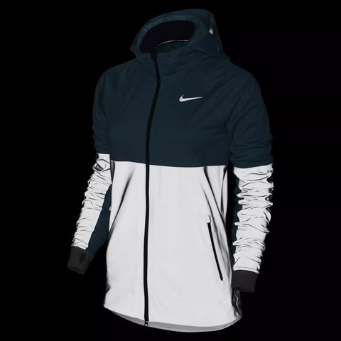 NIKE SHIELD FLASH WOMEN S RUNNING JACKET NEW REFLECTIVE size - Depop 9da11b07f3a5