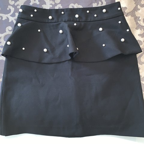 7db5858e99 @vmicella. 29 days ago. London, United Kingdom. Zara Pearl Skirt with Ruffle  in Black. Never worn without tags
