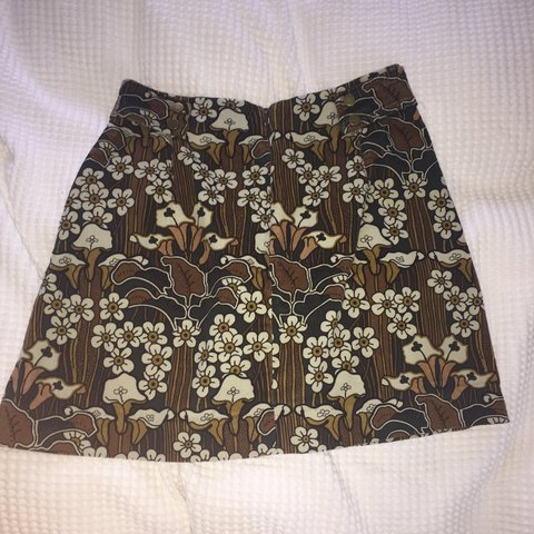 3157e583fb Zara A-line floral mini skirt in corduroy. Great condition. - Depop