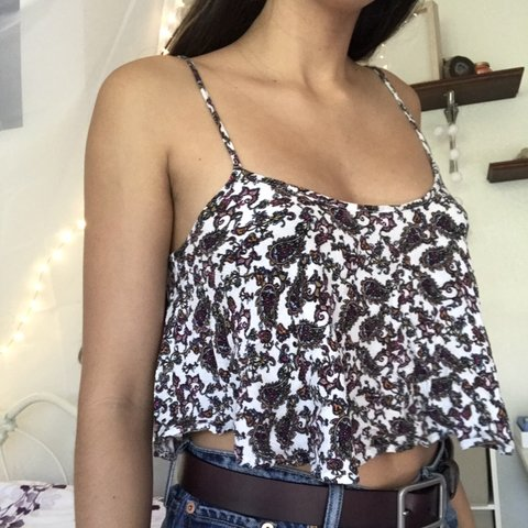 4d51977157 Pacsun Cropped Floral Flowy Top! Perfect spring top