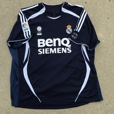 08a6e2955 Real Madrid Adidas replica jersey Size Xl Tags faded but no - Depop