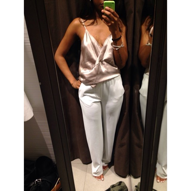 19a677be5aae ZARA high waisted wide leg trousers in white. Size XS