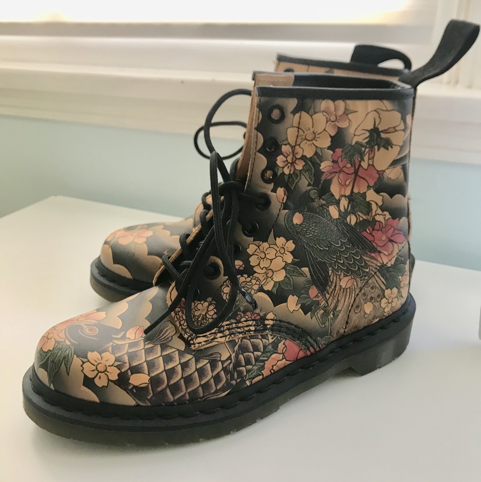 Hello I'm selling my Doc Martens! ✨</p>                     </div> 		  <!--bof Product URL --> 										<!--eof Product URL --> 					<!--bof Quantity Discounts table --> 											<!--eof Quantity Discounts table --> 				</div> 				                       			</dd> 						<dt class=