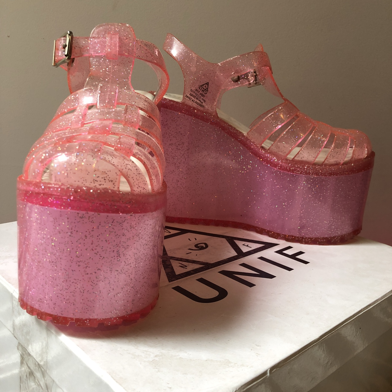 """💗💗 UNIF PINK SPARKLE """"HELLA JELLY"""