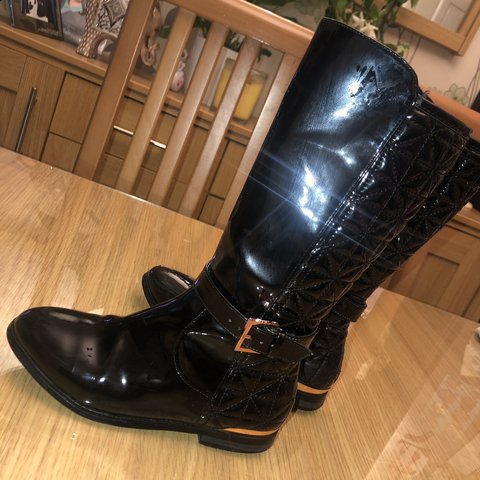 750d1427e2cc Girls Ted Baker Black Quilted Boots 100% Genuine Worn Size - Depop