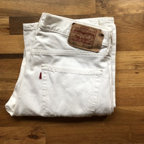 752e5aa7 @yellowrosess. 2 months ago. Salem, United States. ~ FREE SHIPPING ~ Vintage  white Levi's 501. Mom jeans, Dad ...