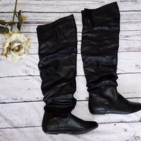 e3550f4f46e6 @boxthrift. 2 months ago. Bloomsburg, Estados Unidos. OVER THE KNEE BLACK  BOOTS💣 faux leather slouch black over the knee flat boots