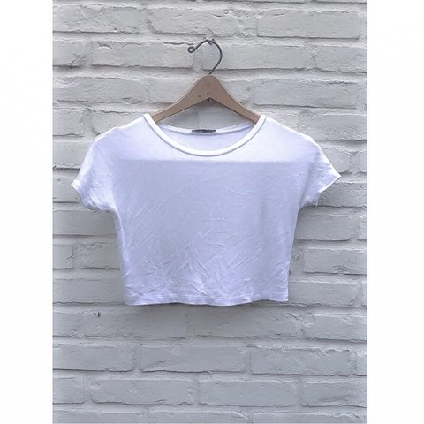 0721a06fa128af @steviedee. 8 months ago. Houston, United States. Zara basics collection white  crop top