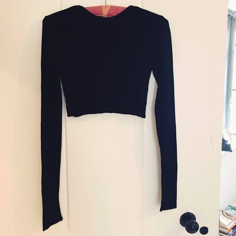 e4e5b3abf23 @aghb23. 2 years ago. Hatfield, United Kingdom. Zara black knit crop top - never  been worn excellent condition. Ribbed stretch material.