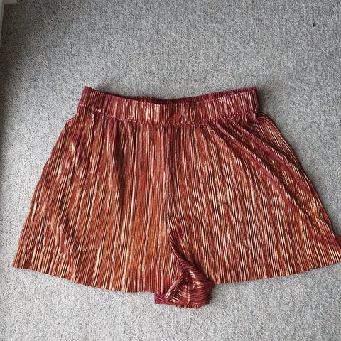 244996fd @gabtooze. 8 months ago. Birmingham, United Kingdom. Sparkly shorts from H&M✨  Good condition - only been worn ...