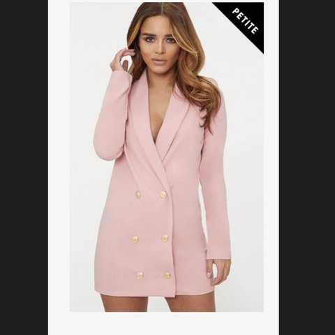 394a4a9bea85b Selling this petite oversized blazer dress it is petite but - Depop