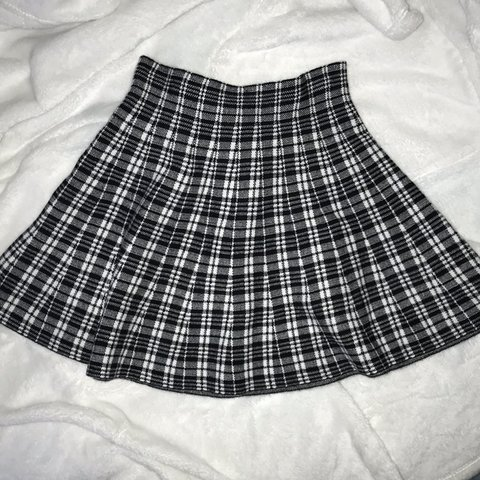 6f54989e4a @xklaaud. 6 months ago. Airdrie, Wielka Brytania. Black and white checkered  skater skirt ...