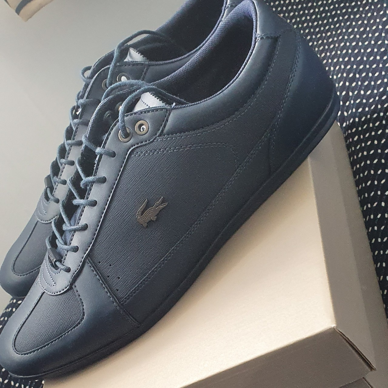 Mens lacoste trainers Navy blue Size uk