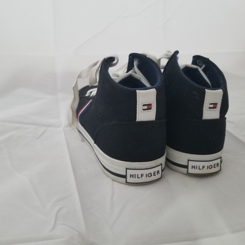 14d303ec @darbfull. last month. Huntsville, Muskoka District Municipality, Canada. Tommy  Hilfiger high top canvas shoes! Great condition!