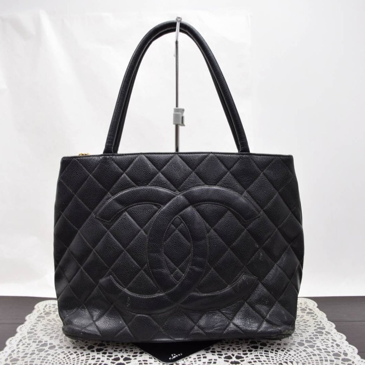 5baa2354d73051 @nohaw. 2 months ago. Herndon, United States. Authentic used CHANEL Black  Caviar Quilted Medallion medium tote.
