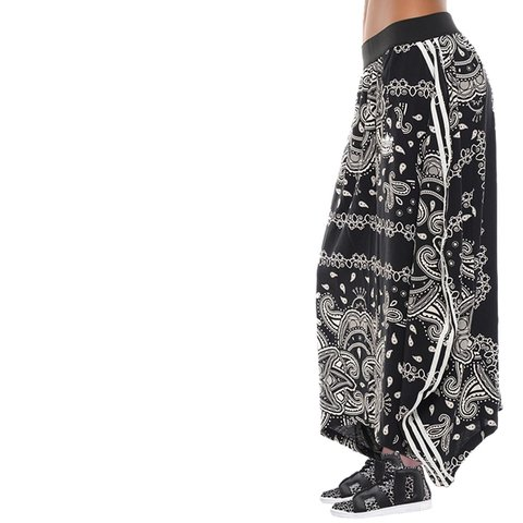 388d7a52273 adidas Originals enlarged black-and-white Paisley maxi wear - Depop