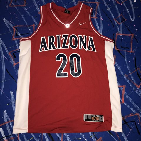 cadd29106184 Vintage Nike Arizona Wildcats Damon Stoudamire L! Mighty - Depop