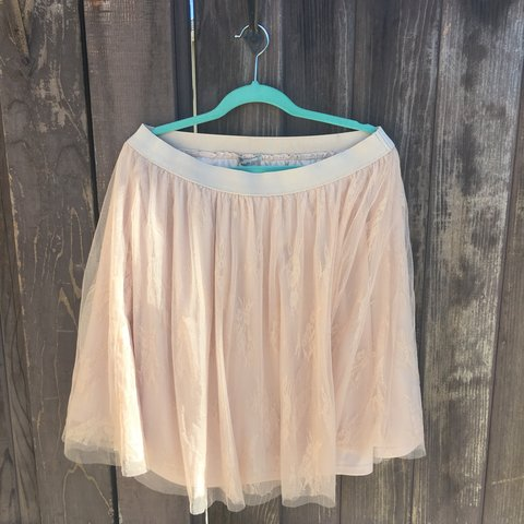 d565ae7e11 @heyitschandi. 10 months ago. Los Angeles, United States. Charlotte Russe  Beige/Tan tulle skirt. Size L Never worn