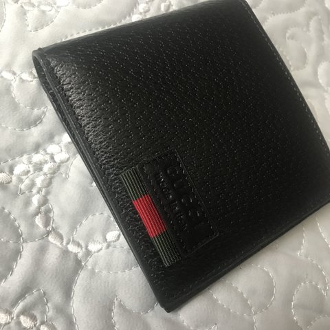 ecbf42ecfd6d @cookie209. 11 months ago. Livingston, United States. Authentic Gucci wallet .