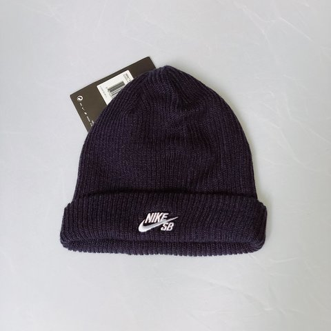 04e4b3cc495 Nike SB Fisherman Beanie in navy (See last pic for size new - Depop