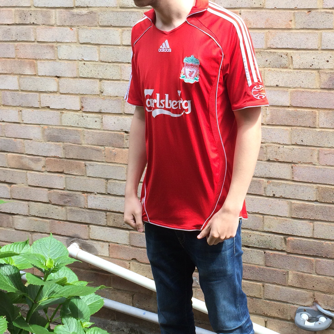 competitive price d097a fad50 Liverpool 06/07 Home Shirt Some small pulls... - Depop