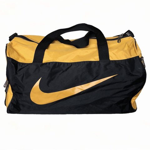 ce18ff627 @the_sauce. 4 months ago. Gurnee, United States. Vintage 90's Nike Duffle  Bag.