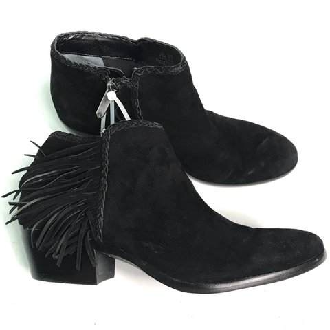 ab043c5dd49a7e Sam Edelman Women s Black Fringed Suede Ankle Boots Size New - Depop