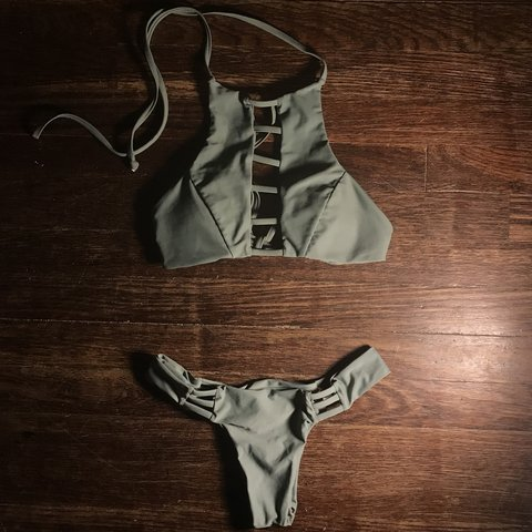 716f9285c4fe5 NEVER WORN Size small bikini very stretchy and adjustable, - Depop