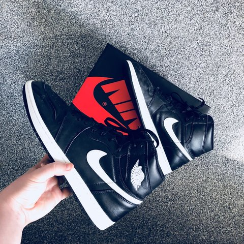 5fc4fcbc0692 🔥👟 Air Jordan 1 Ying Yang! 🤤 Size UK 9.5 could fit a are - Depop