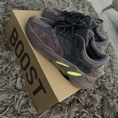 801be9b8e Adidas yeezy 700 mauve - size 7 uk - true to size