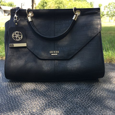 Brand new guess handbag very high quality !! Perfect Super ! - Depop 16a6508bf879b