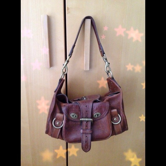a2f0ddfdbf Mulberry Alana bag. 100% genuine! Barely used and great from - Depop