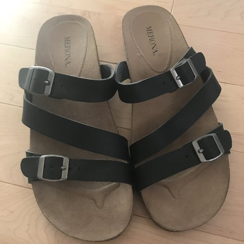 286985d82d41 6 1 2 Merona Black Sandals Only wore once! Super comfy and - Depop