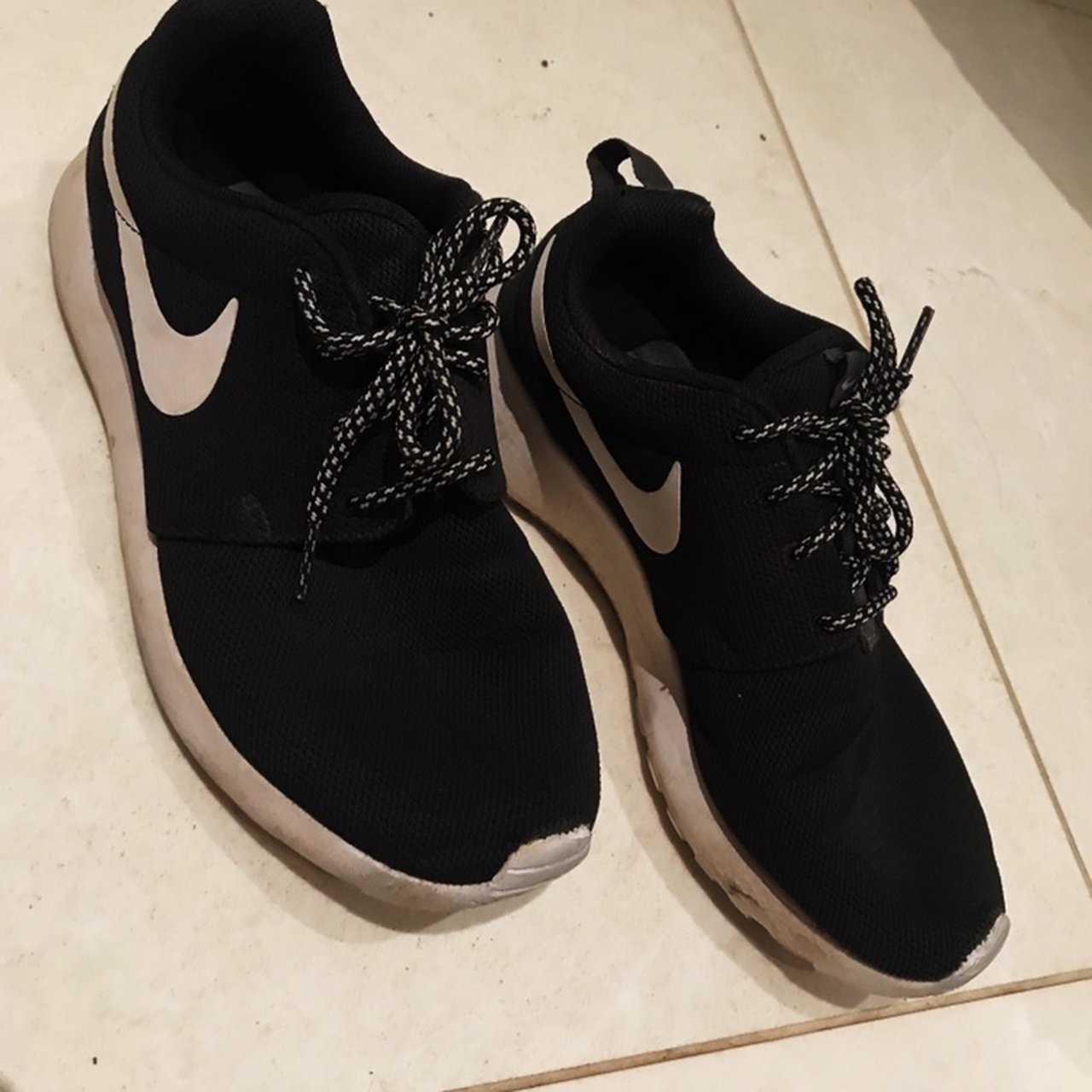 siga adelante Tomar un riesgo Iniciativa  Decathlon Nike Tanjun Womens Fitness Walking Shoes -... - Depop
