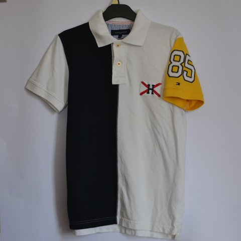 359225023 Tommy Hilfiger striped Sailing Polo, features embroidered H - Depop