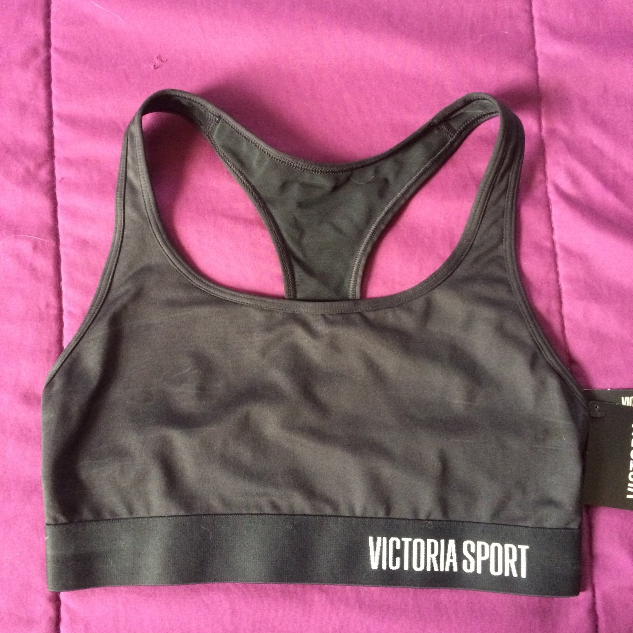 062e1f1e42e29 Victoria s Secret sports bra. Size small. Brand new