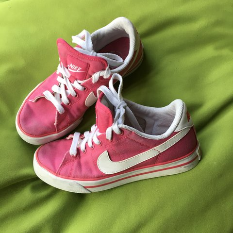 e626ef3845a CUTEEEE Pink Nike Canvas Sneakers 🌺 these shoes have some v - Depop