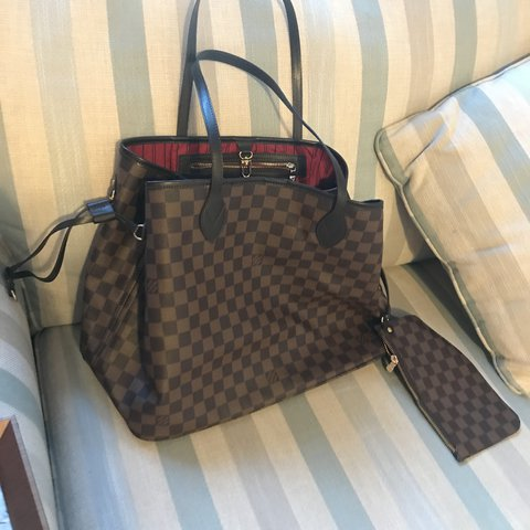 1ceca118b28  joelyjane. last year. Uttoxeter, United Kingdom. Dupe brown monogram Louis  Vuitton bag. Brand new and never used.