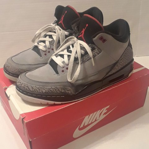 25baf0d5f13 2014 Air Jordan retro Stealth 3s. In good Condition. Last in - Depop