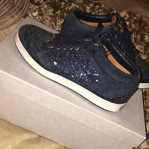 334b448e17384 @bmk_x. 8 months ago. Manchester, United Kingdom. Navy jimmy choo trainers  size 36 few marks from wearing them ...