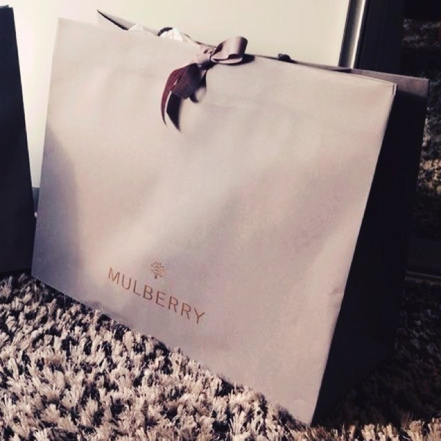 Selling a brand new mulberry bayswater  eb966bbf8f469
