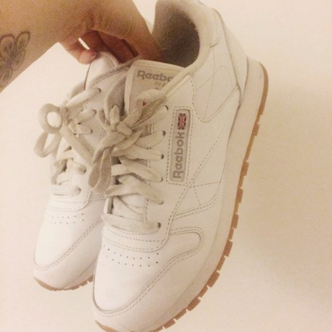 846dcf72abd Reebok classic leather trainers in white with classic gum do - Depop