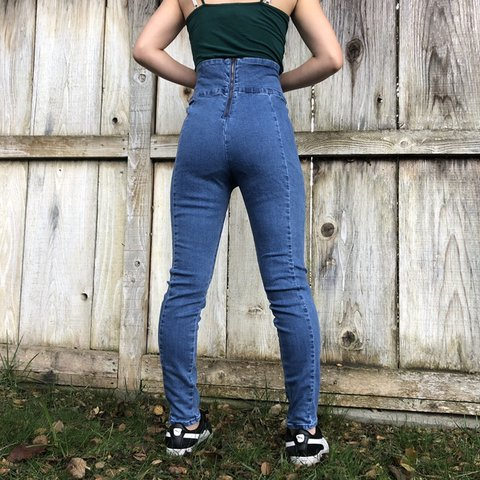 c8732ae7ce Forever 21 Light Wash High Waisted Skinny Jeans Gently and - Depop