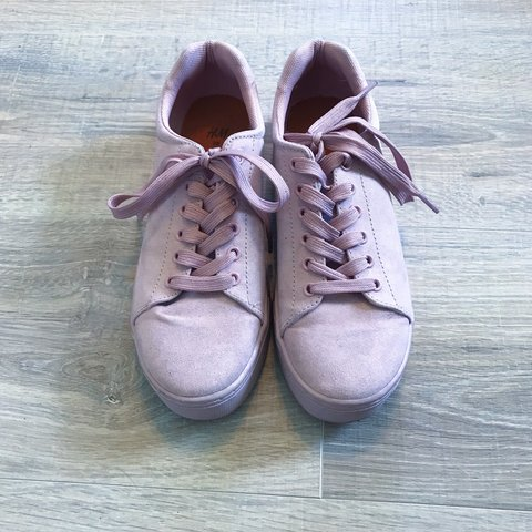 bc1b41a36ec3  desiandujar18. 3 months ago. United States. Super cool H M platform  sneakers Really ...