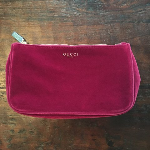 df9209024d84 @greyfelt. 10 months ago. Hialeah, United States. Crushed velvet Gucci  beauty bag