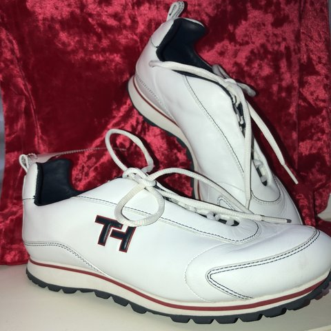 17770b520 Tommy Hilfiger Vintage White Sneaker • $40 - great women's - Depop