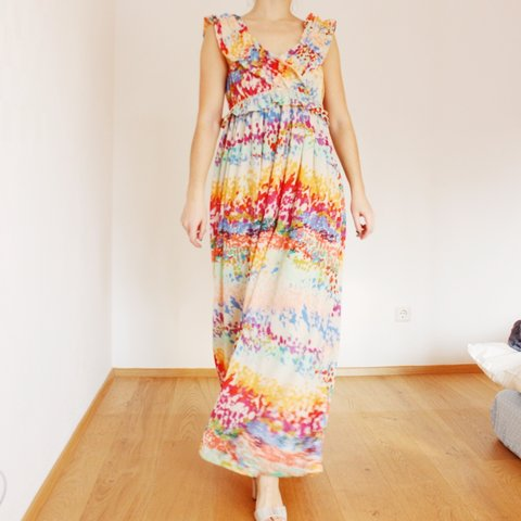 b627dd87f19 Gorgeous colourful maxi dress from the h m Garden collection - Depop